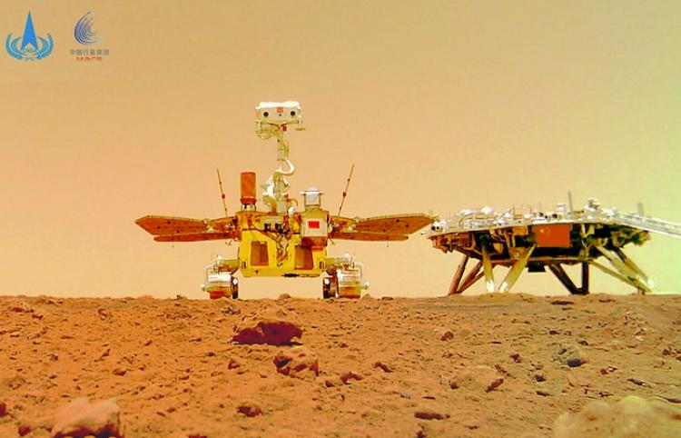 El rover chino Zhurong envía nuevas fotos a color desde Marte
