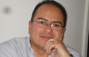 Independencia implica apertura de medios públicos: Ernesto Villanueva
