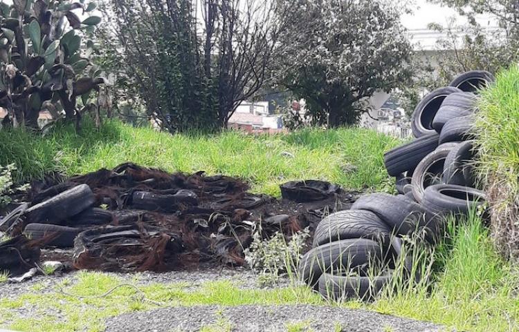 Combaten llanteros desechos y prácticas de degradación ambiental