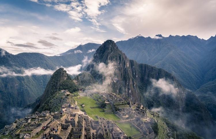Perú reduce horarios de toque de queda por pandemia de covid-19