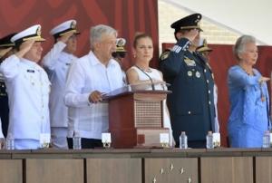 López Obrador ofrece justicia para víctimas de masacre en Minatitlán