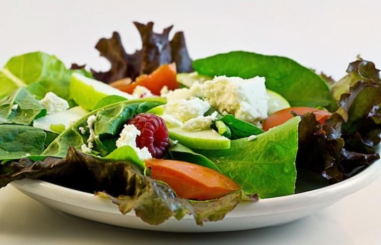 El costo económico de comidas saludables para perder peso