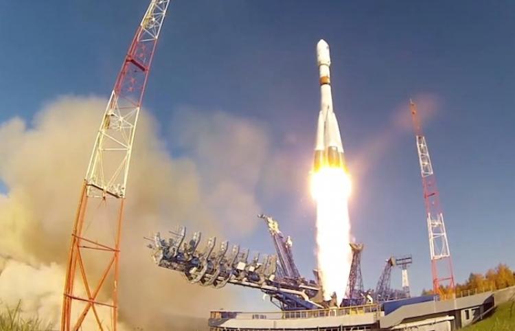 El cohete Soyuz-2 con el primer satélite Arktika-M a bordo preparado para su nueva misión