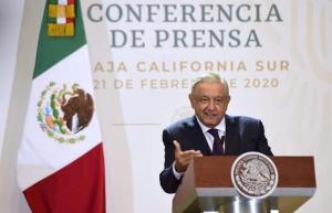 """Critica López Obrador que """"conservadores ahora sean feministas"""""""