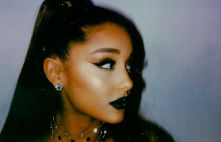 Ariana Grande lo da todo en su performance para 'El Mago y Yo'