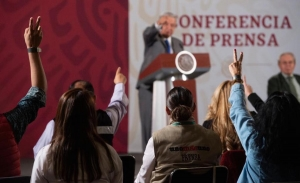 AMLO dice coincidir con Papa Francisco en atención prioritaria a pobres