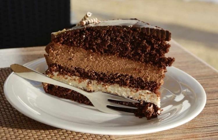 ¿Quieres bajar de peso? ¡Desayuna pastel de chocolate!