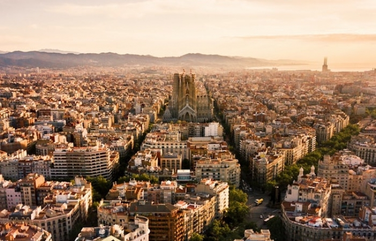 España se asienta fuera de la zona de riesgo extremo por coronavirus