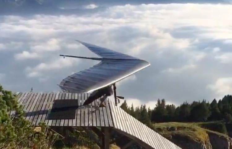 ¡SORPRENDETE! Video muestra como es volar en los Alpes Suizos