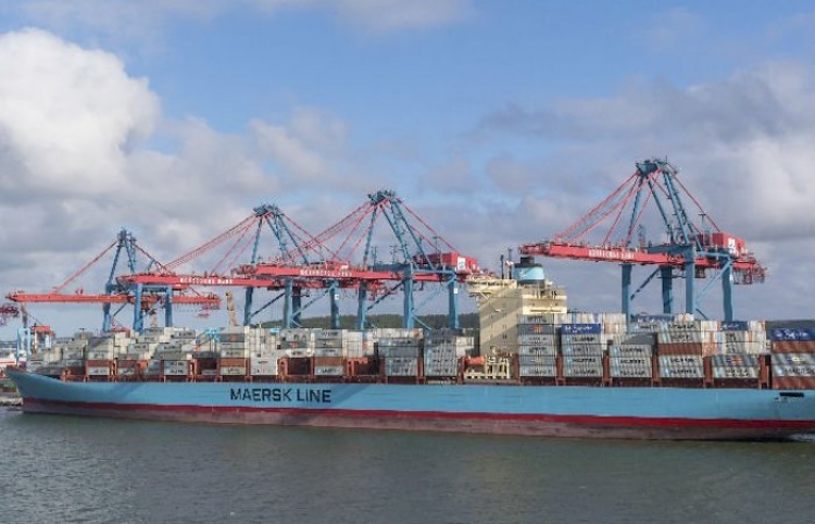 Naviera Maersk ofrece seguro de carga para sus clientes
