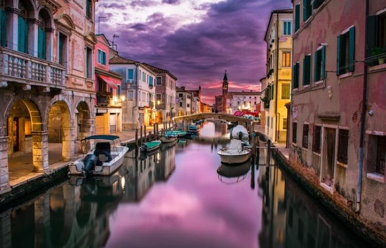 Recupera Italia el azul del cielo y un mejor aire