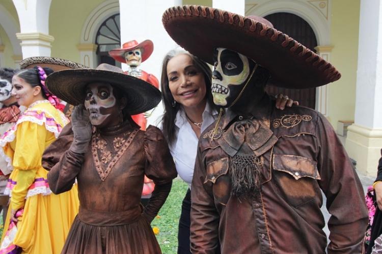 Cautiva al público el Festival de Muertos Leyendas y Tradiciones