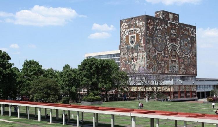 Alumnos de la UNAM ganan premio de Academia de la Lengua por titulación