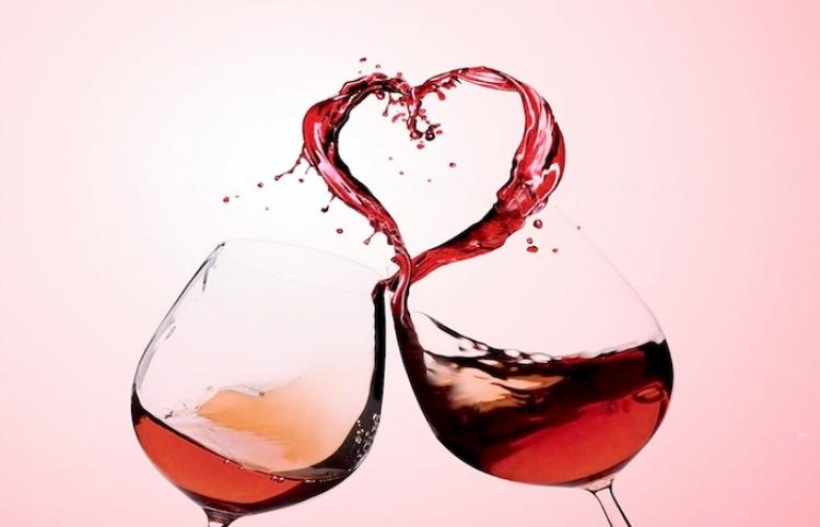 Celebra San Valentín con el vino rosado de Pozo de Luna