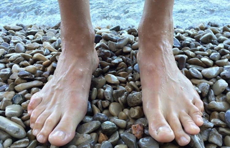 Advierten de la gran importancia del cuidado de los pies en la época de verano