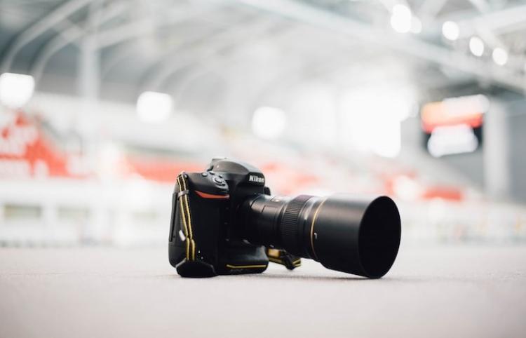 Presentan equipos fotográficos para enviar imágenes con rapidez