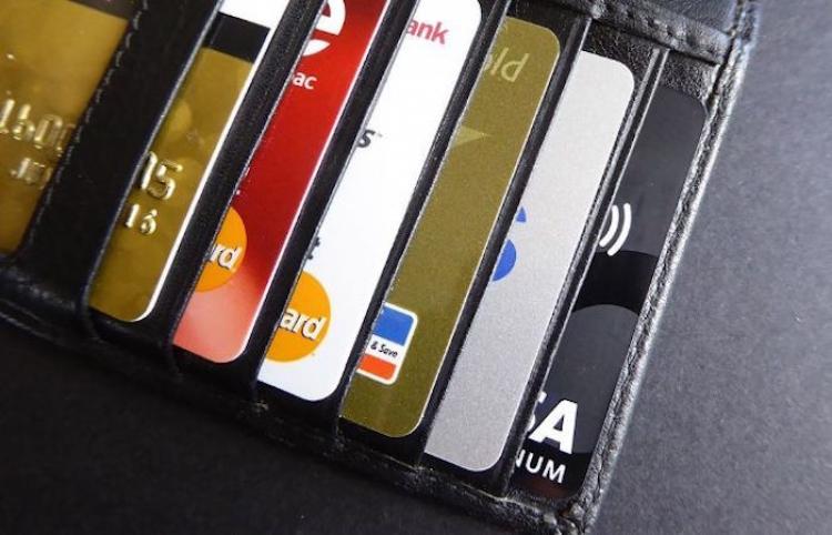 """Banca niega """"usura"""" en comisiones y se manifiesta en favor de competencia"""