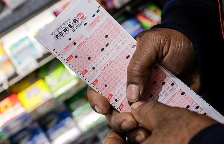 Matemático comparte la fórmula con la que ganó la lotería 14 veces