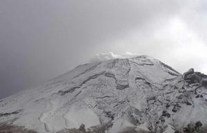 Pico de Orizaba amanece nuevamente cubierto de nieve