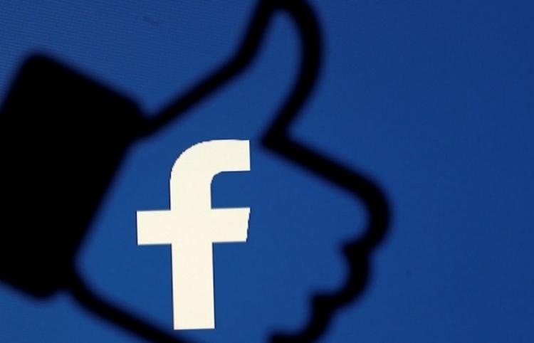 Mark Zuckerberg ordenó a todos los directivos de Facebook usar teléfonos con Android