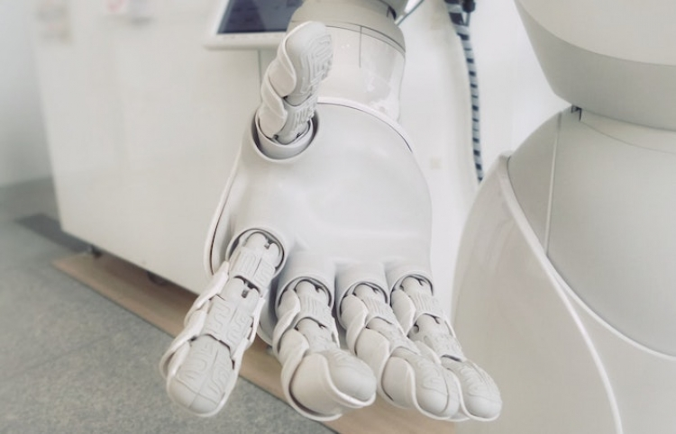 Primera universidad de inteligencia artificial