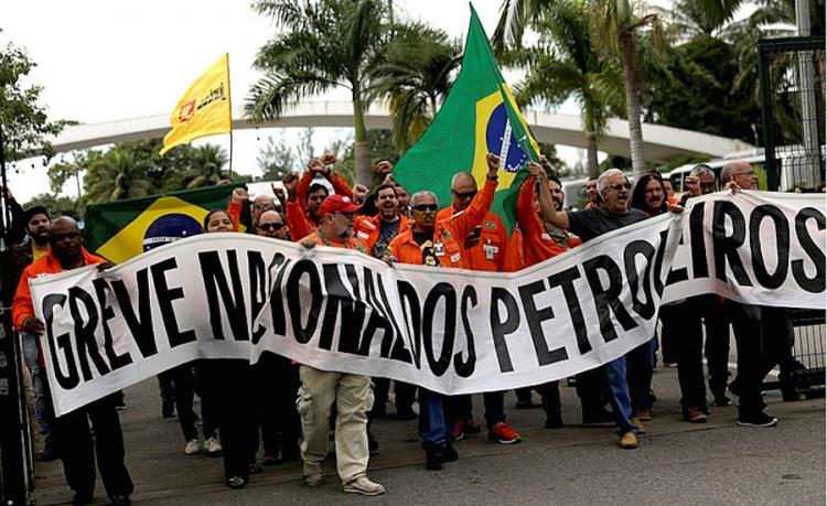 Huelga en Petrobras busca evitar su privatización: PT