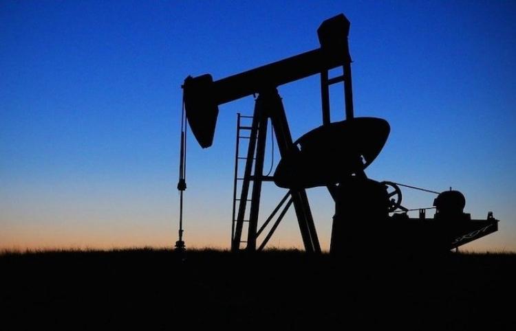 La Comisión Europea busca reducir el consumo de petróleo en un tercio para 2030