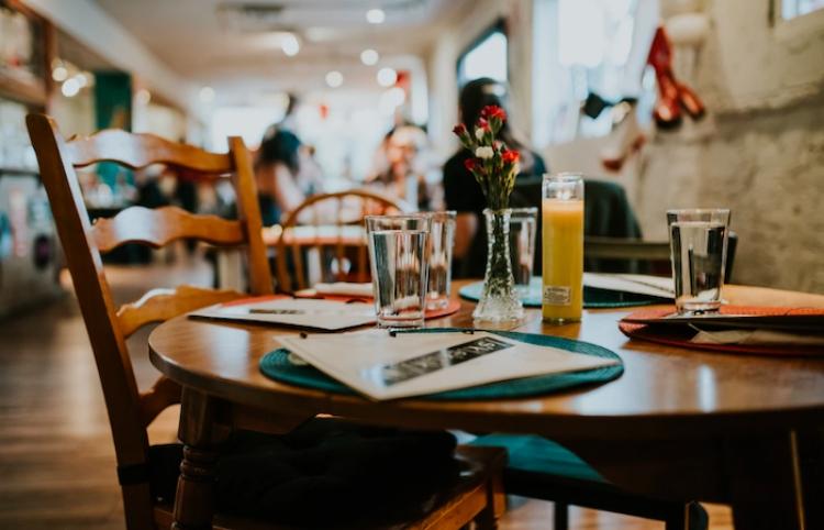 Bulgaria comenzará a reabrir restaurantes a partir del 12 de abril