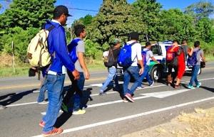 Frenan a migrantes que ingresaron a México por la frontera sur