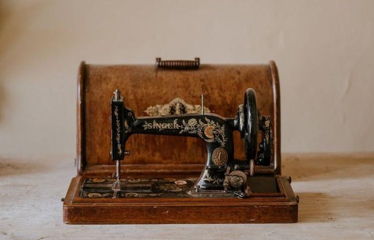 La respuesta a la contaminación de la moda se encuentra en las máquinas de coser