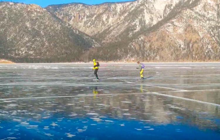 Patinador ruso marca récord en el maratón del Baikal con 200 km en solo 8 horas