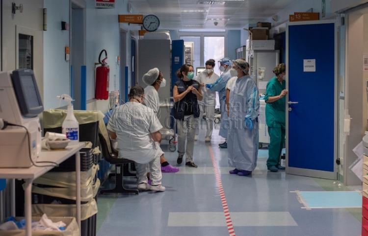 Los opositores del pase sanitario en Italia quieren organizar un referéndum