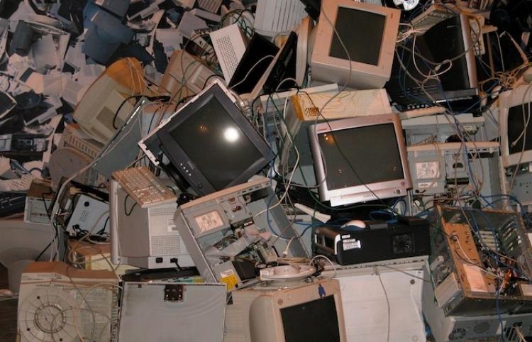 Mexicanos producen en promedio 10 kilos de basura electrónica al año