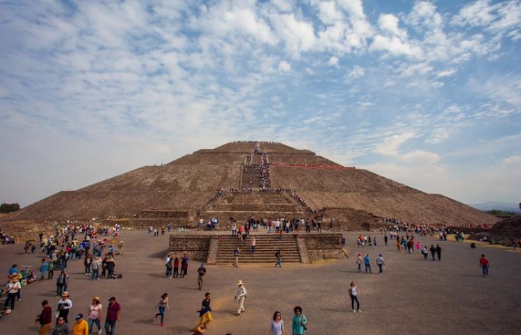 Reabre icónica zona arqueológica de Teotihuacán en el centro de México