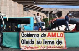Campesinos continúan bloqueo en la Cámara de Diputados