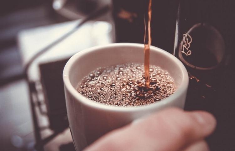 Café podría reducir riesgo de cáncer de mama