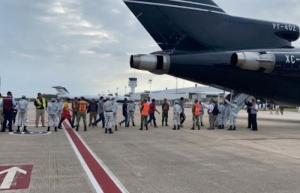 Retorna INM a 110 migrantes a Honduras